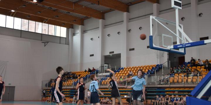 Mistrzostwa Powiatu Gryfickiego w piłce koszykowej chłopców oraz dziewcząt Igrzyska Dzieci